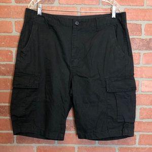 Old Navy men's cargo shorts size 34 pockets (C79)